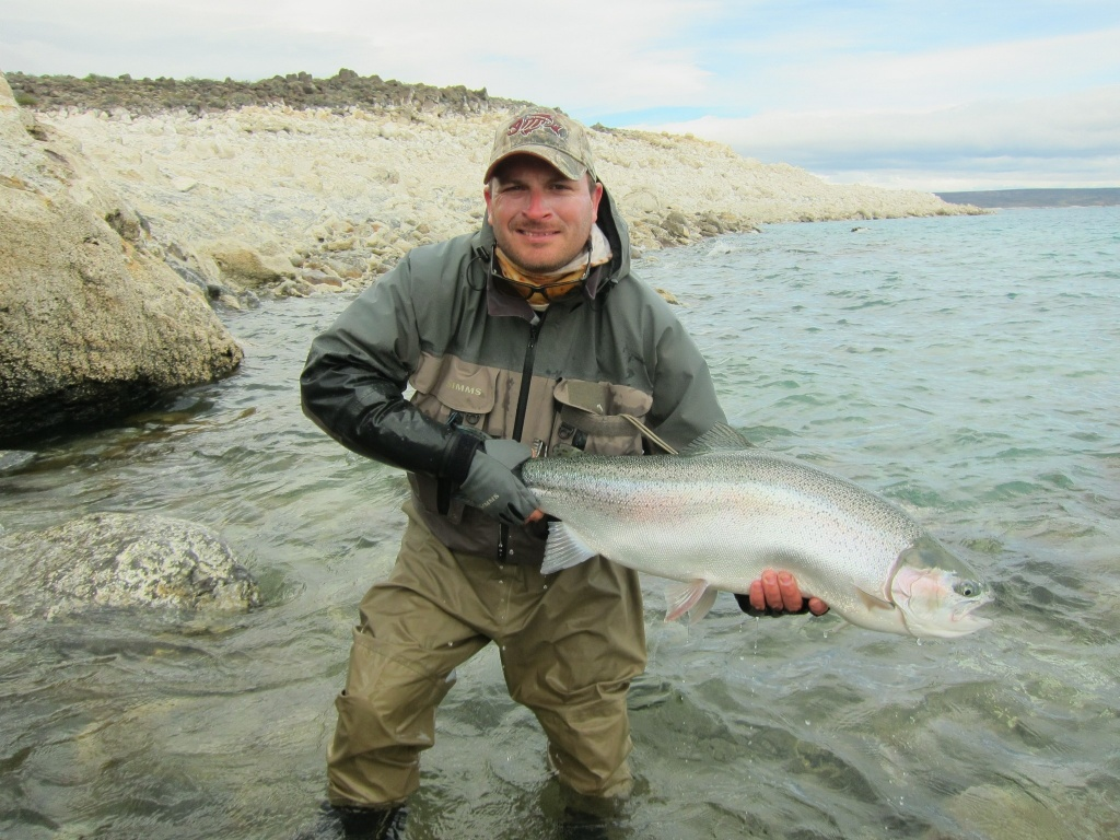 Martin s robino fly fishing guide fly dreamers directory for Fly fishing book