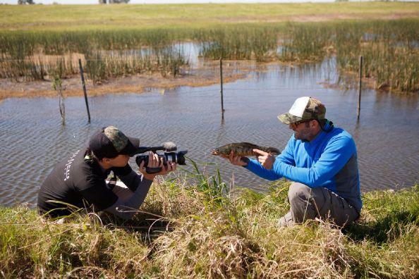 Detrás de las cámaras, filmando un increible video con Ferreyra Fishing. foto Juan Bueno