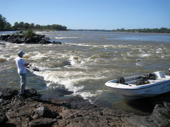 """PARTICIPA DEL SORTEO DE UNA SALIDA DE PESCA en """"Salto Chico Uruguay"""" con Best Dorado Fishing   http://bestdoradofishing.com/nueva/noticias.php"""