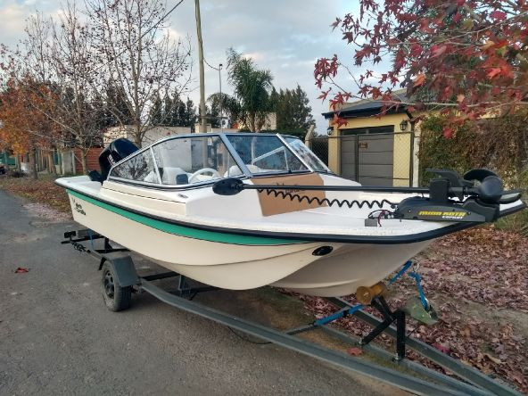 Olivia 2.0, confort para castear y navegar sin que el viento te moleste. Esperar ahora nomás nos dejen ir a pescar....