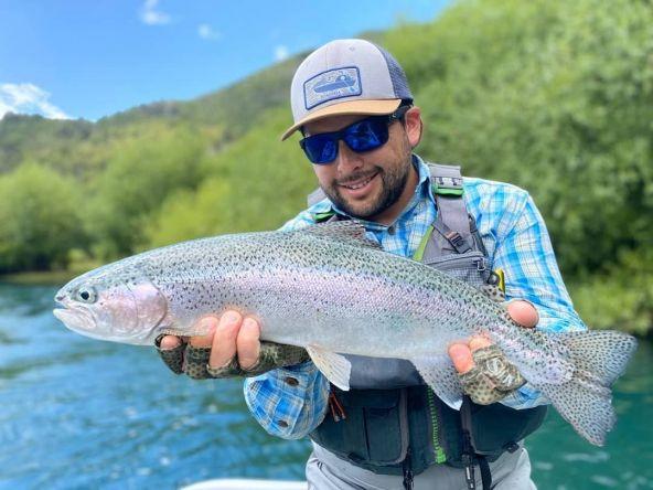 Pesca a la vista 👌 Buen trabajo Leo. Patagonia - Matapiojo Lodge - Chile